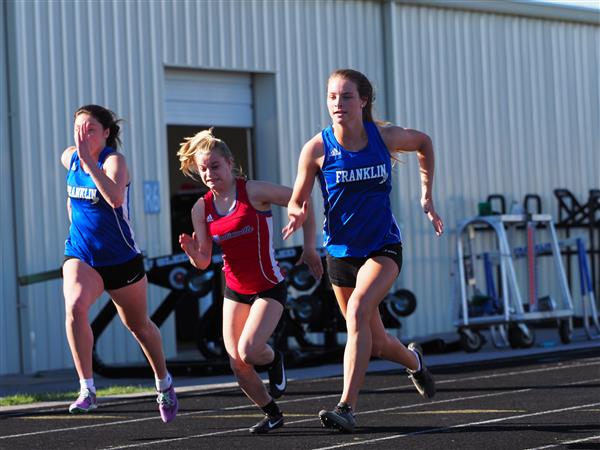 Franklin sprinter leads the 100 meter dash